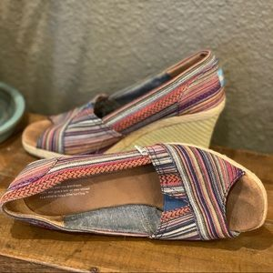 Toms Shoes - TOMS Classic Peeptoe Wedge